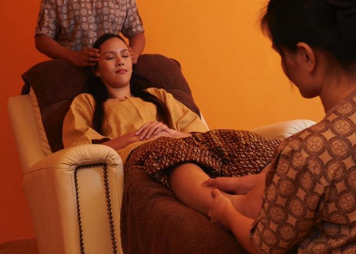 4-Hands Foot Massage